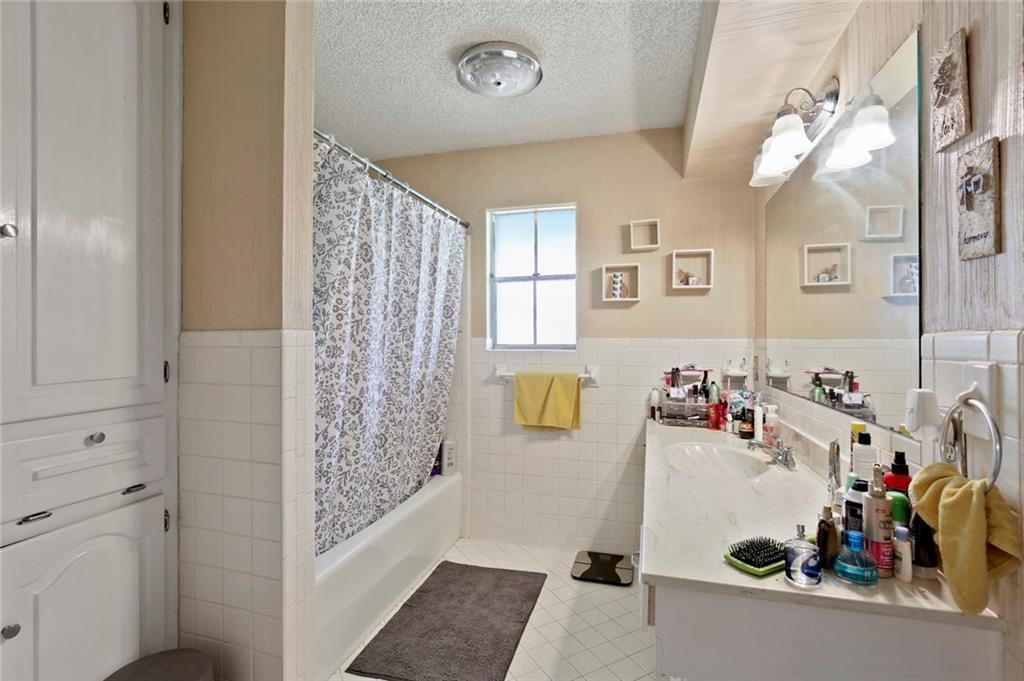 Sold Property   805 E Coral Way Grand Prairie, Texas 75051 25