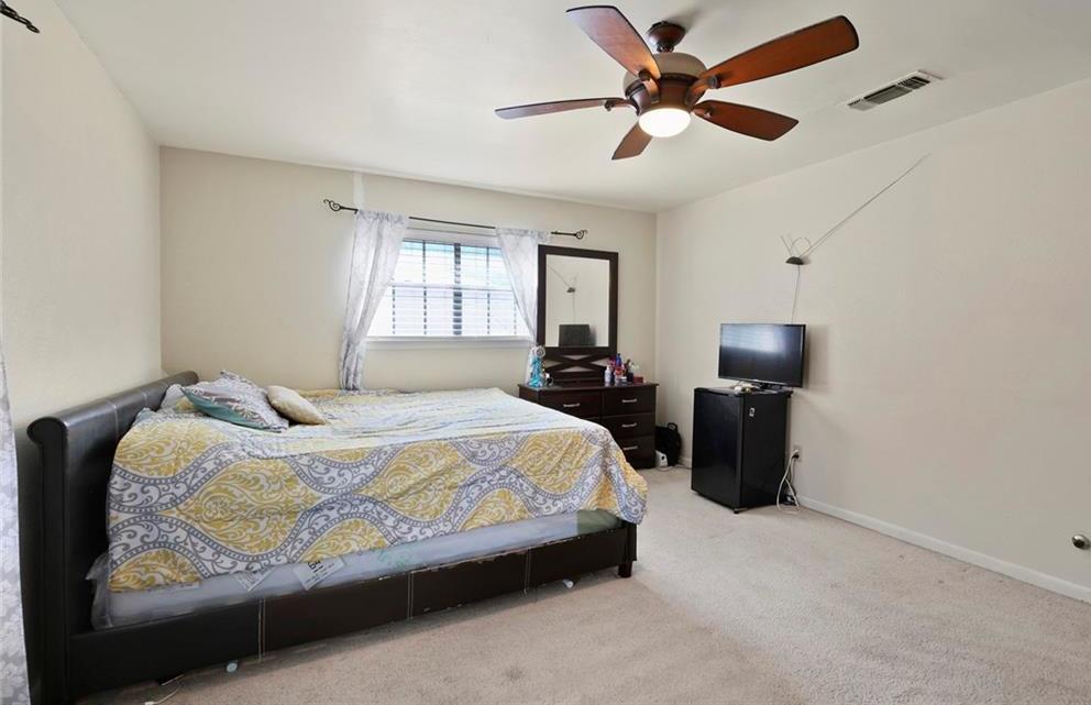 Sold Property   805 E Coral Way Grand Prairie, Texas 75051 28