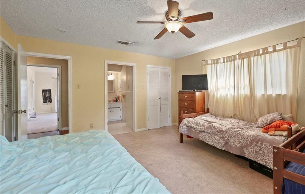Sold Property   805 E Coral Way Grand Prairie, Texas 75051 32