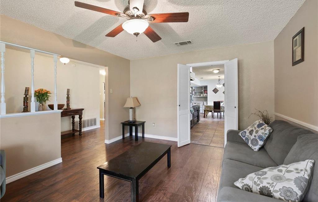 Sold Property   805 E Coral Way Grand Prairie, Texas 75051 5