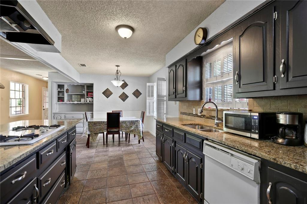 Sold Property   805 E Coral Way Grand Prairie, Texas 75051 9