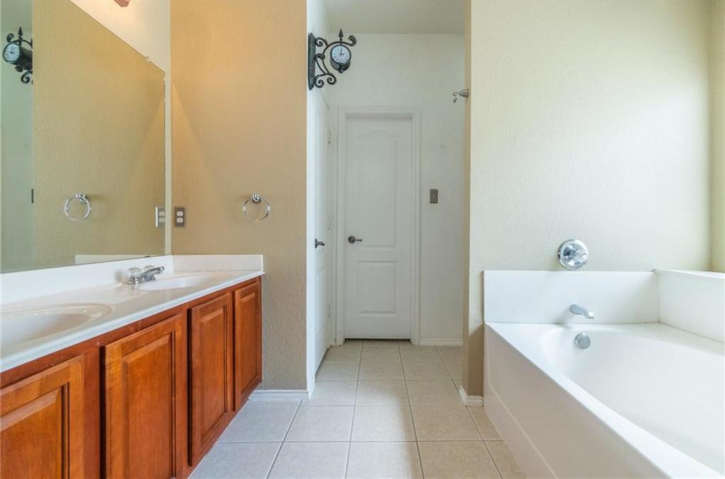 Sold Property | 3625 Desert Mesa Road Fort Worth, Texas 76262 12