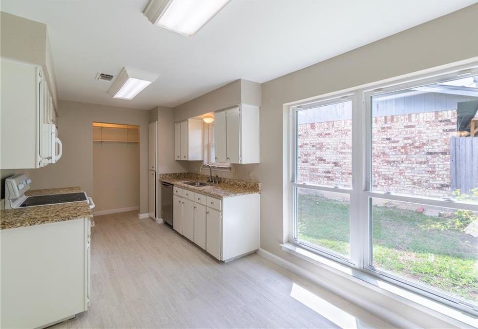 Sold Property | 5913 Stardust Drive Watauga, Texas 76148 9