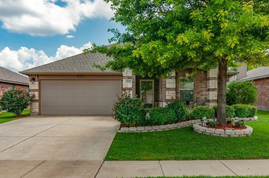 Sold Property | 2509 Mill Springs Pass Fort Worth, Texas 76123 2