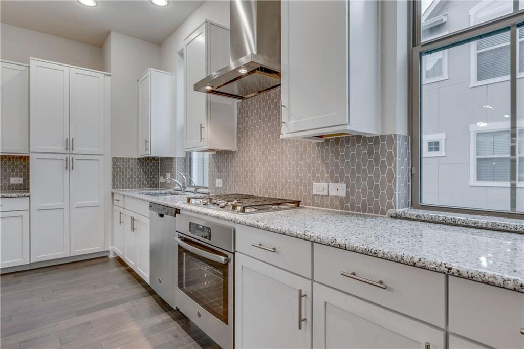 Sold Property | 2742 Yellow Jasmine Lane Dallas, Texas 75212 4