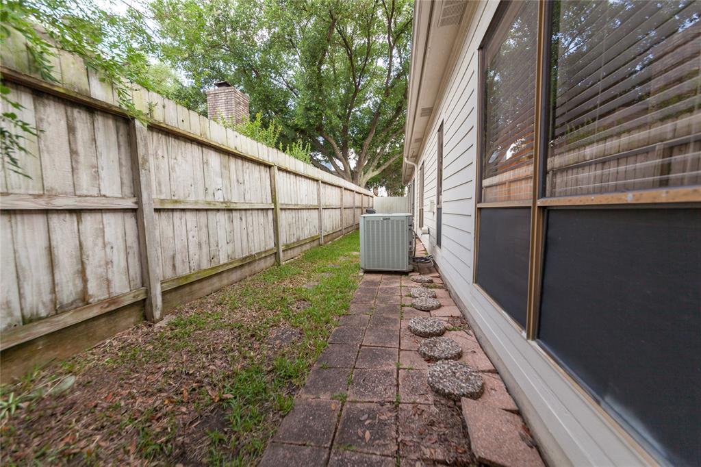 Off Market | 10315 Burgoyne Road Houston, Texas 77042 28