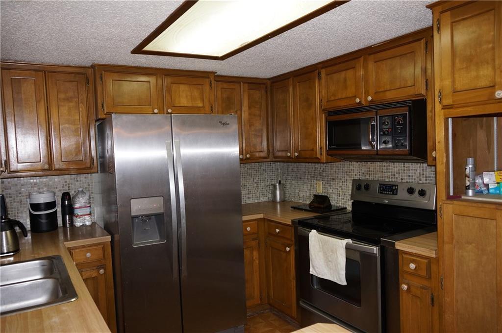 Sold Property   2405 Wild Oaks Avenue Joshua, Texas 76058 9