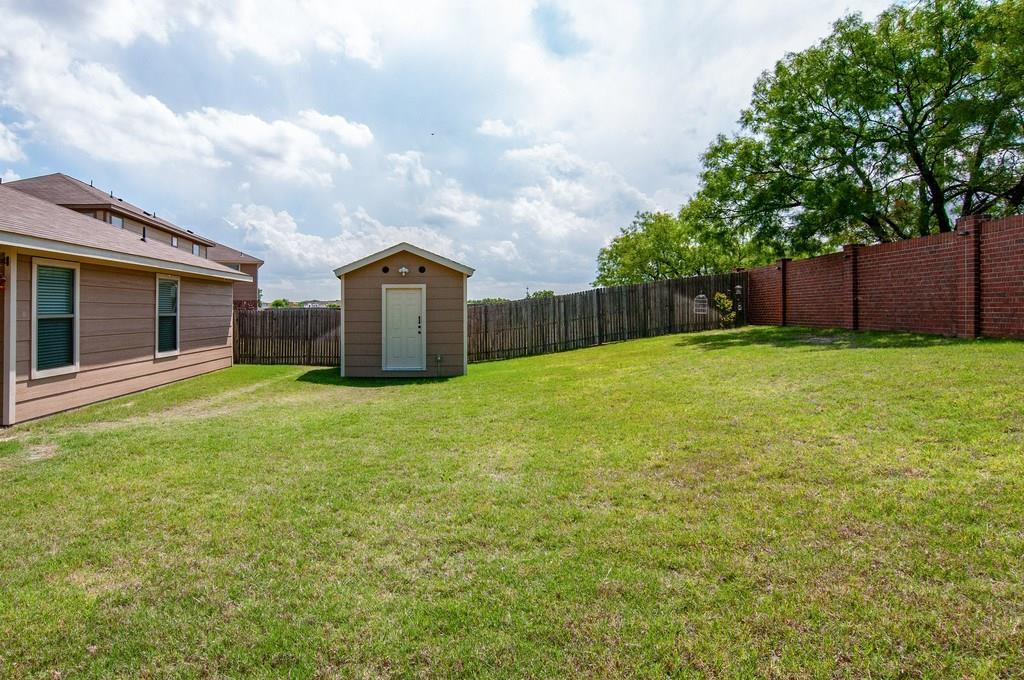 Sold Property | 4321 Mantis Street Fort Worth, Texas 76106 34
