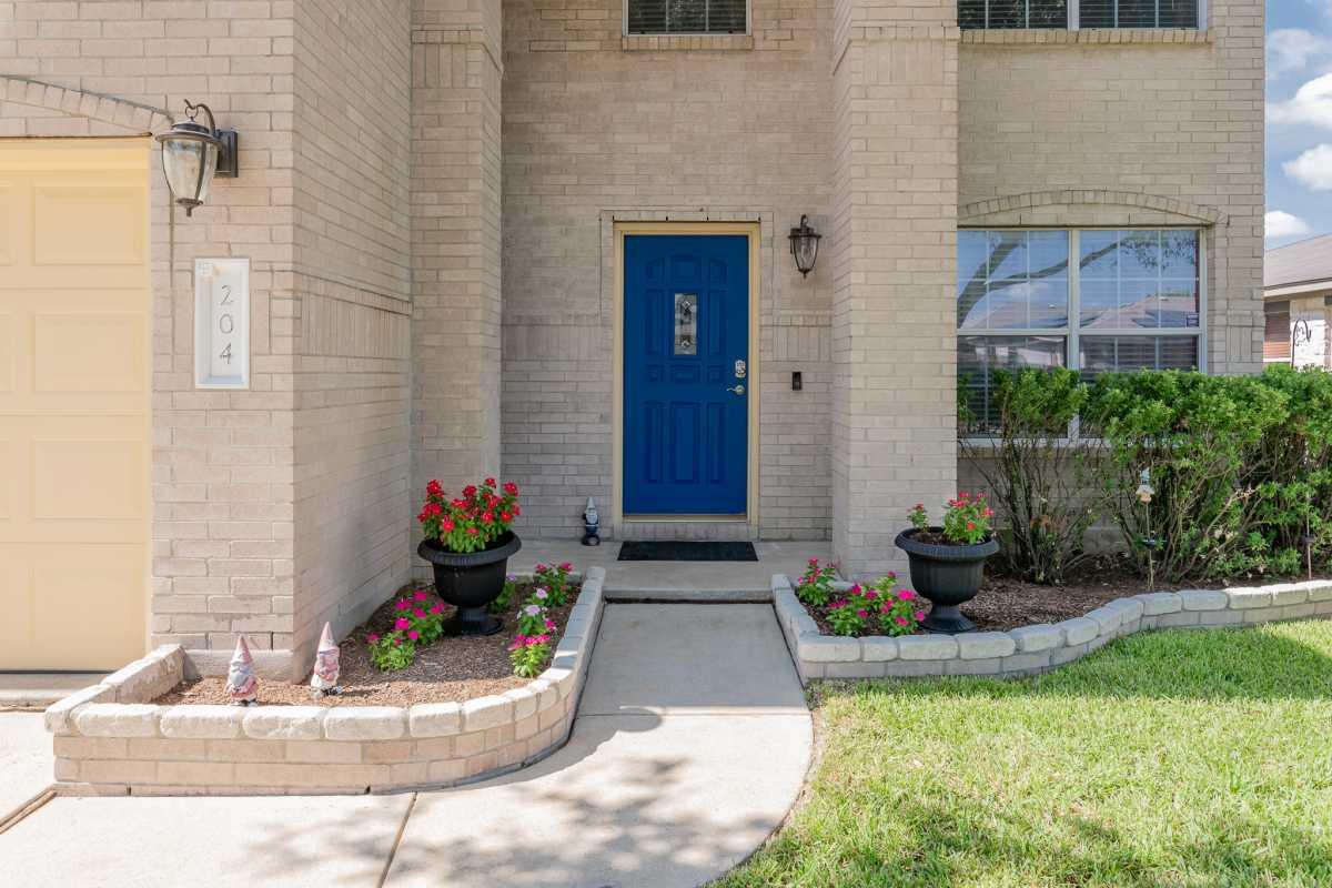 Austin Metro Hutto Home for Sale | 204 Peaceful Haven Way Hutto, TX 78634 3