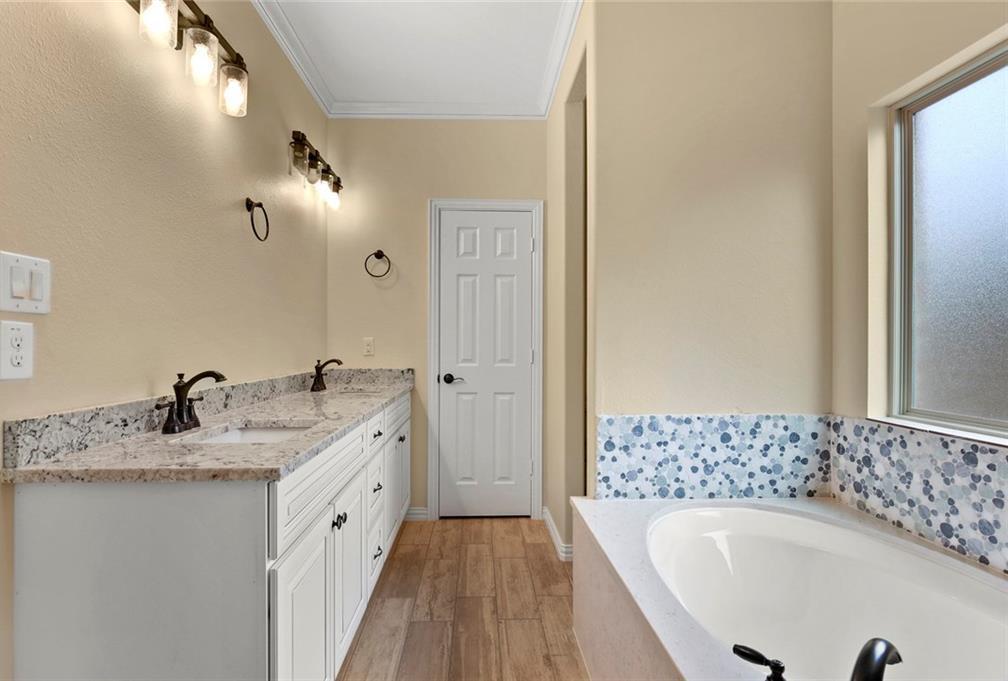 Sold Property | 3529 Gilbert Road Grand Prairie, Texas 75050 15