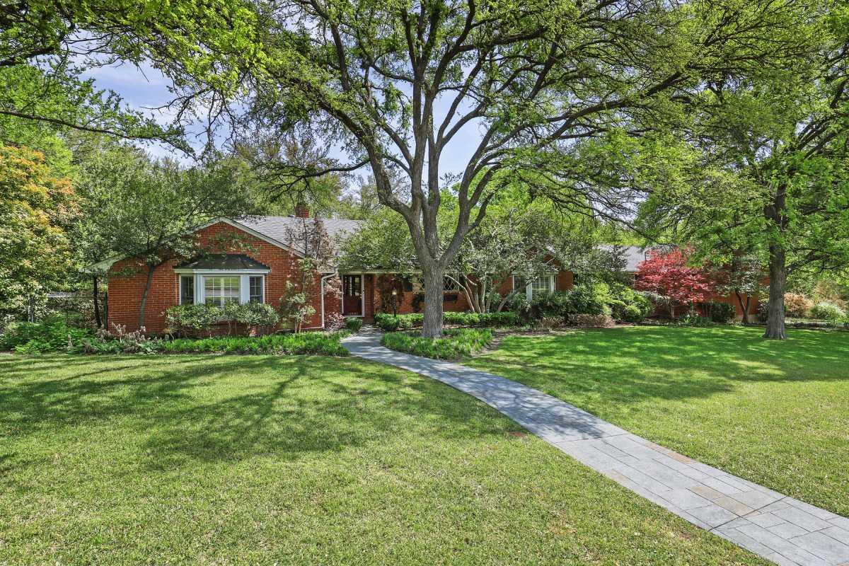 Dallas Real Estate | 14048 Brookridge Drive Dallas, TX 75240 2