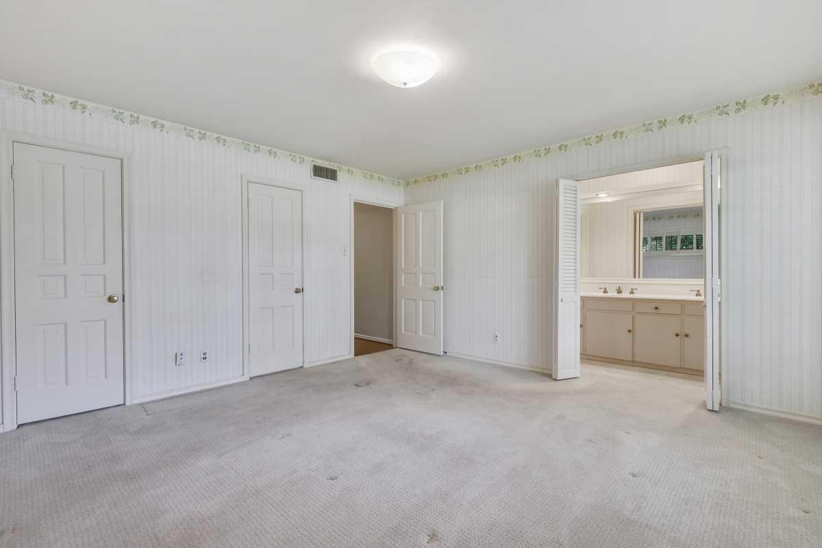 Dallas Real Estate | 14048 Brookridge Drive Dallas, TX 75240 18
