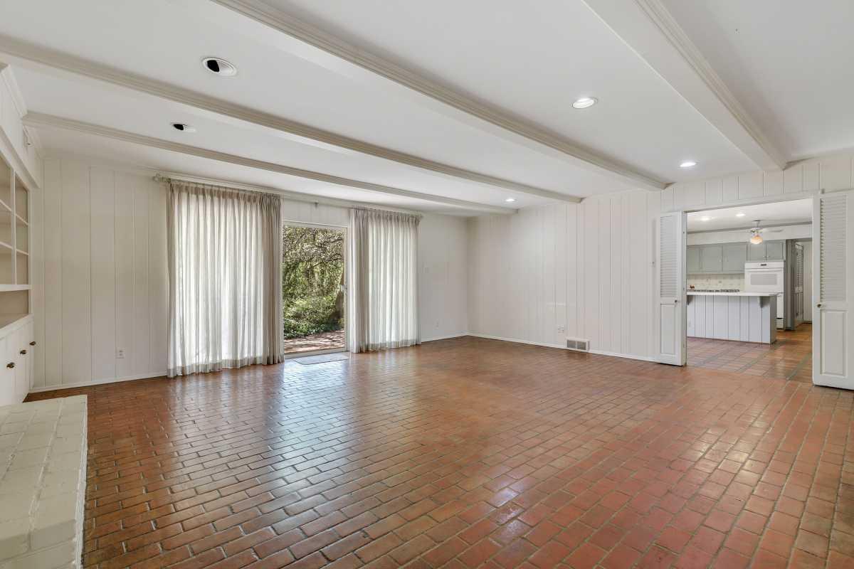 Dallas Real Estate | 14048 Brookridge Drive Dallas, TX 75240 32