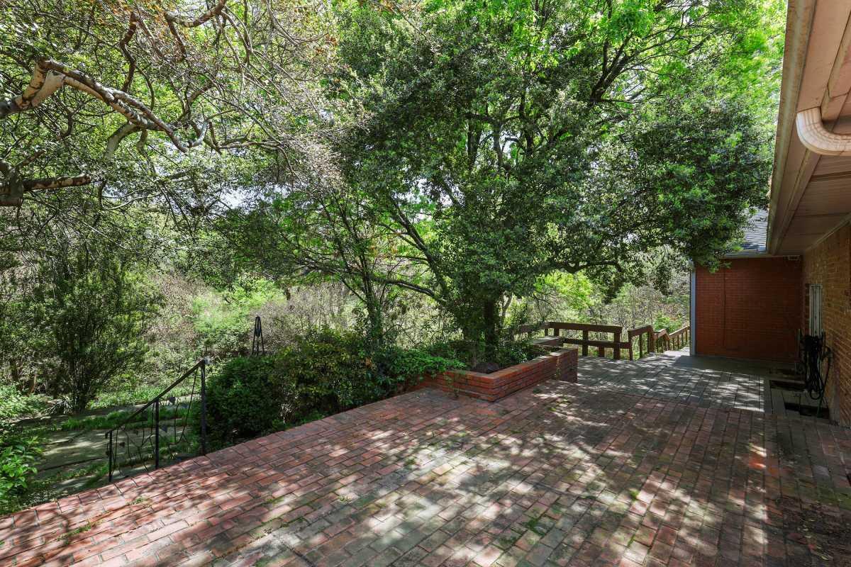 Dallas Real Estate | 14048 Brookridge Drive Dallas, TX 75240 12