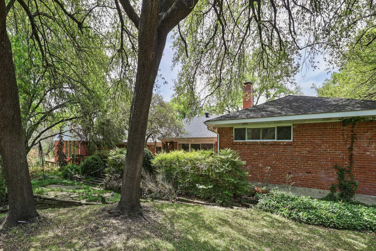 Dallas Real Estate | 14048 Brookridge Drive Dallas, TX 75240 5