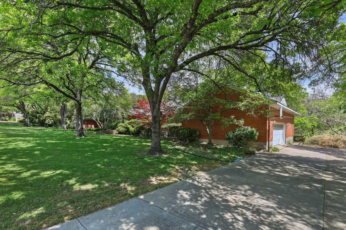Dallas Real Estate | 14048 Brookridge Drive Dallas, TX 75240 6