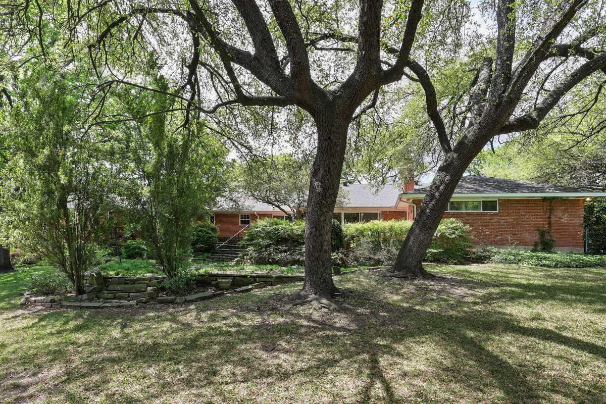 Dallas Real Estate | 14048 Brookridge Drive Dallas, TX 75240 10