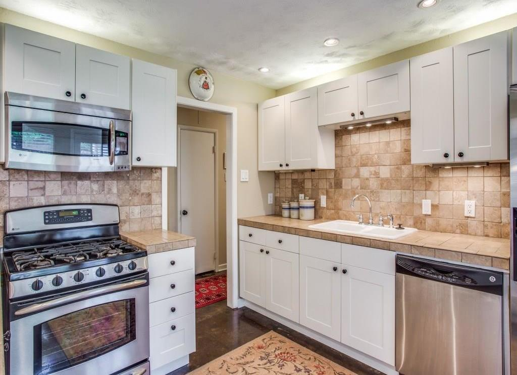 Sold Property | 7318 Crownrich Lane Dallas, Texas 75214 15
