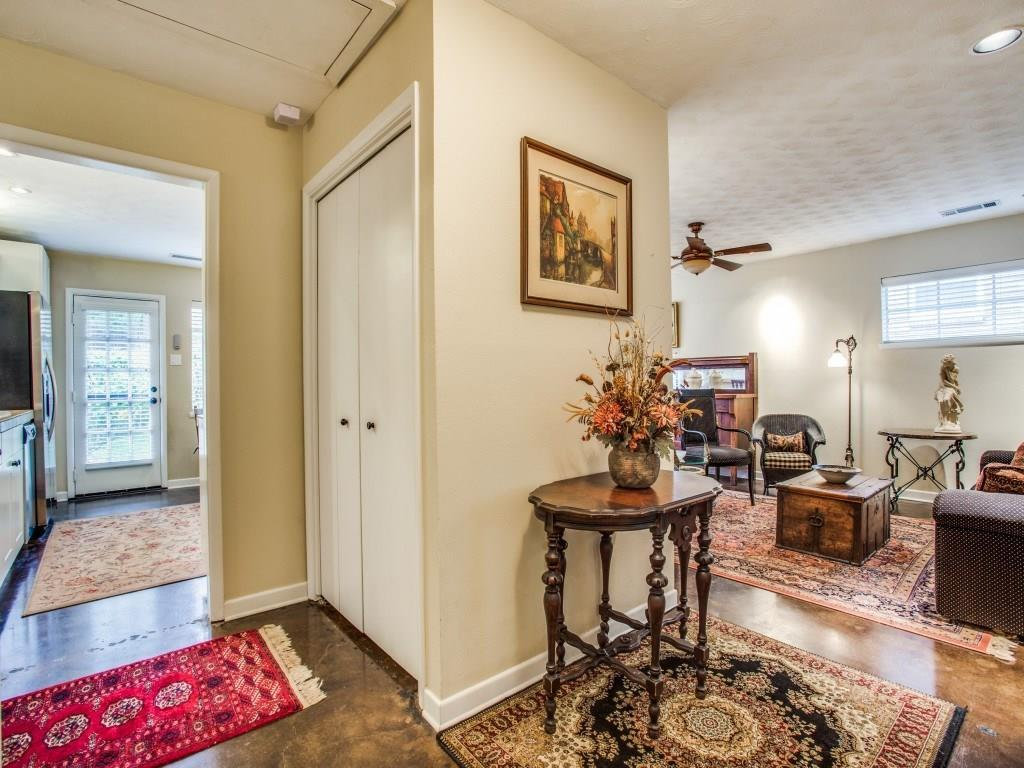 Sold Property | 7318 Crownrich Lane Dallas, Texas 75214 4