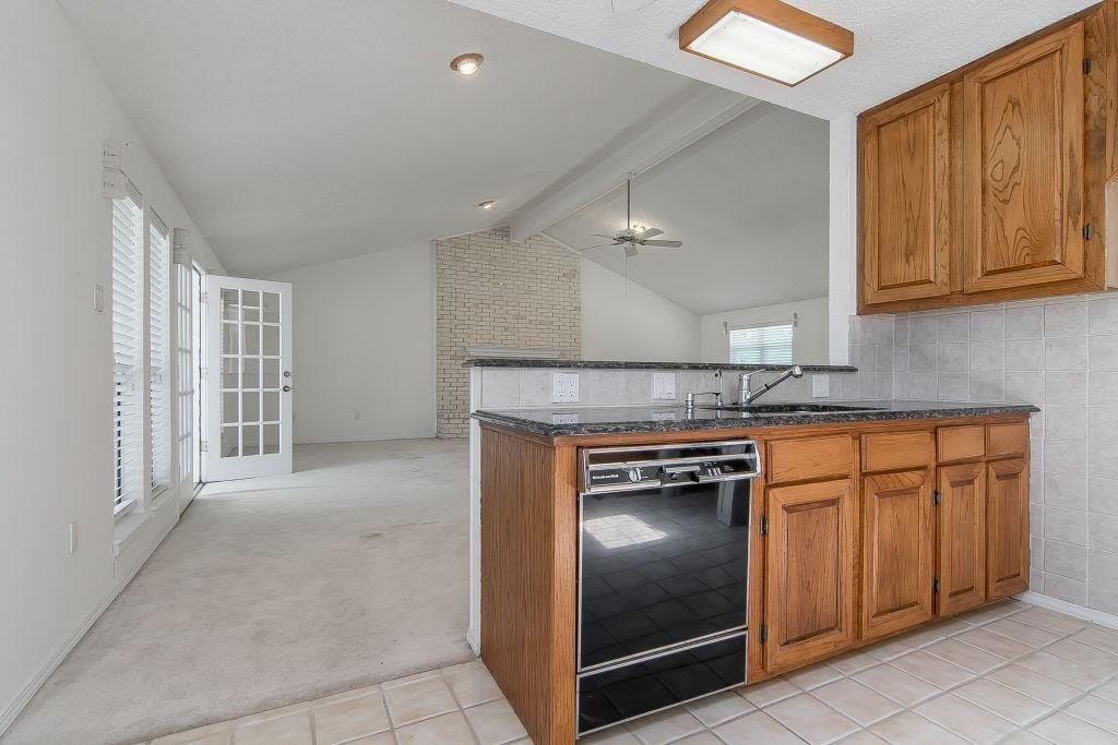 Pending | 4052 County Road 412  McKinney, TX 75071 11