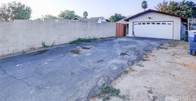 Closed | 647 W 49th Street San Bernardino, CA 92407 22