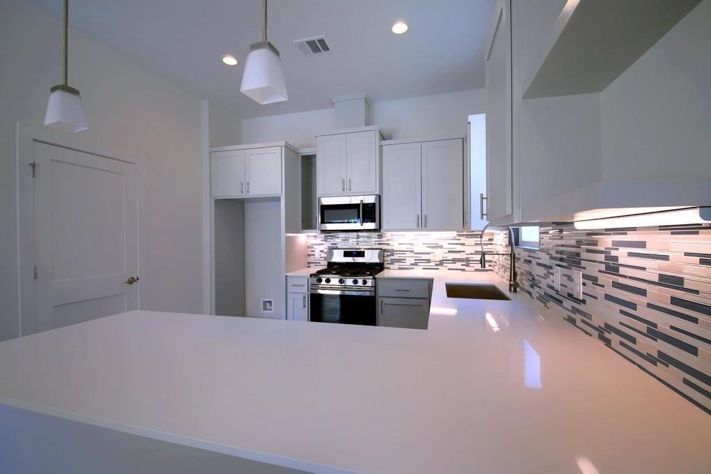 Sold Property | 7208 Carver ave #B Austin, TX 78752 13