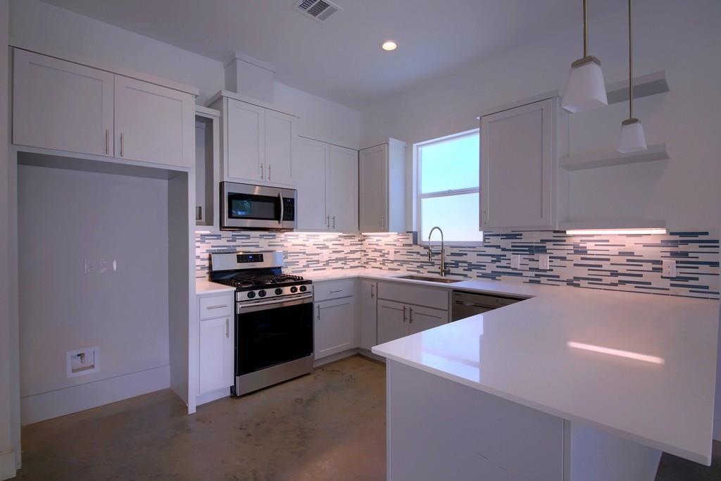 Sold Property | 7208 Carver ave #B Austin, TX 78752 14