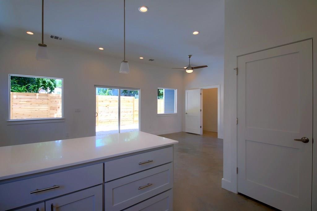 Sold Property | 7208 Carver ave #B Austin, TX 78752 16