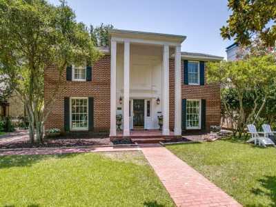 Sold Property | 6814 Avalon Avenue 3