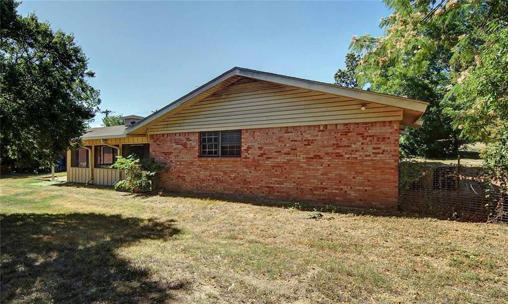 Sold Property   202 W Park Avenue Weatherford, Texas 76086 24