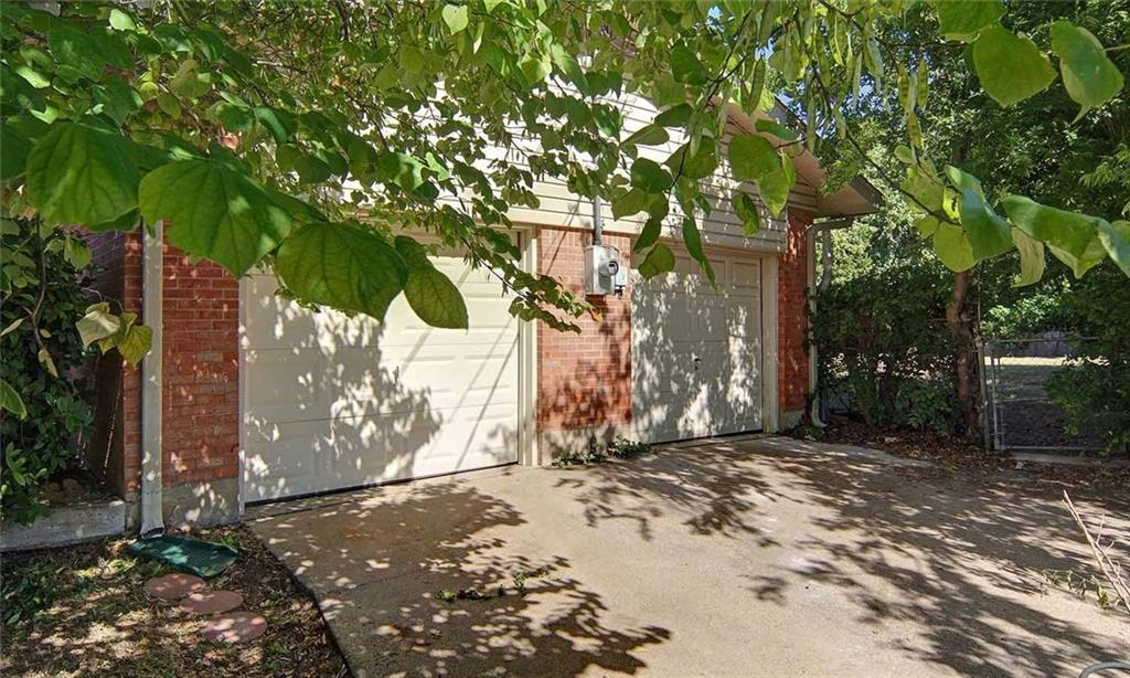 Sold Property   202 W Park Avenue Weatherford, Texas 76086 4