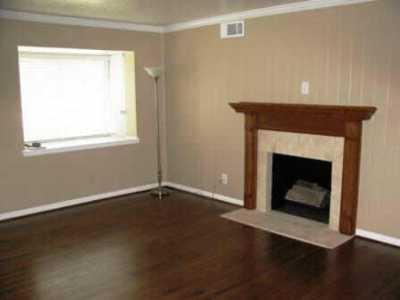 Sold Property | 6650 Santa Anita Drive Dallas, Texas 75214 3