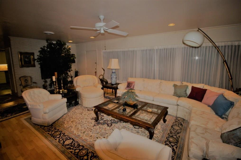 Active | 5214 Woodway Drive Houston, Texas 77056 10