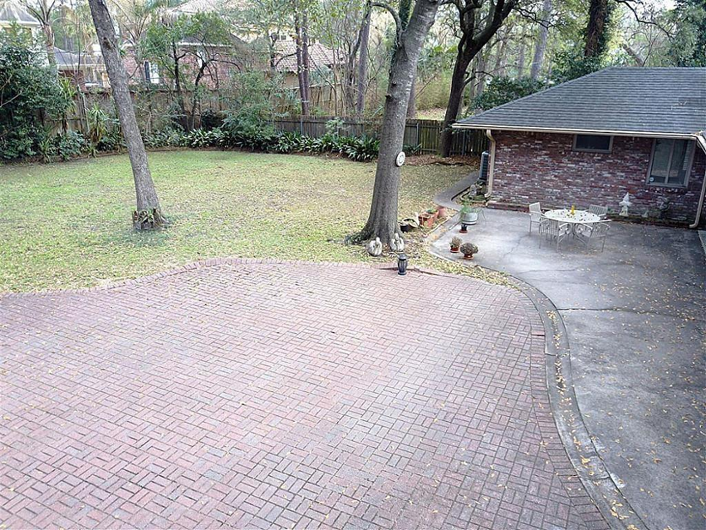 Active | 5214 Woodway Drive Houston, Texas 77056 3