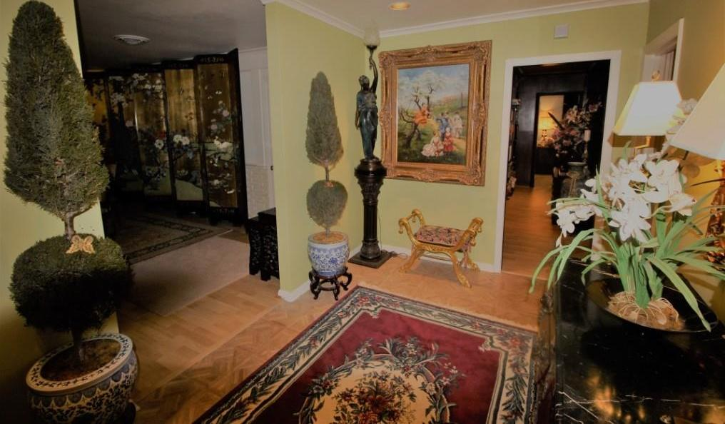 Active | 5214 Woodway Drive Houston, Texas 77056 5