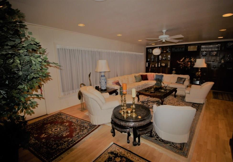 Active | 5214 Woodway Drive Houston, Texas 77056 9