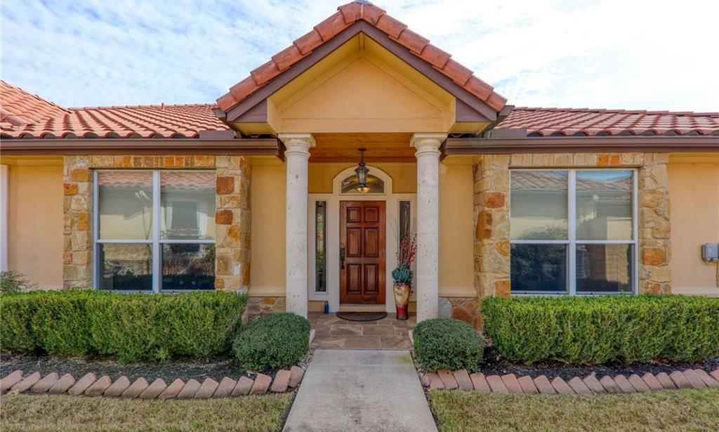 Active | 21118 Highland Lake Drive #1 Lago Vista, TX 78645 1