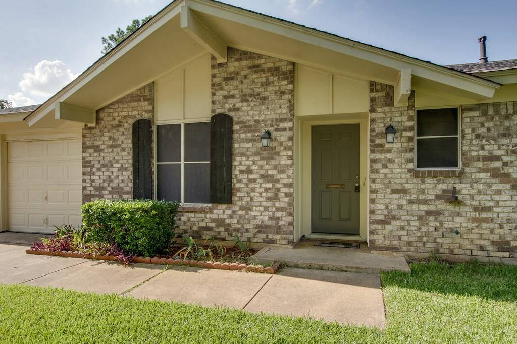 Sold Property | 209 Town Creek Drive Euless, Texas 76039 3