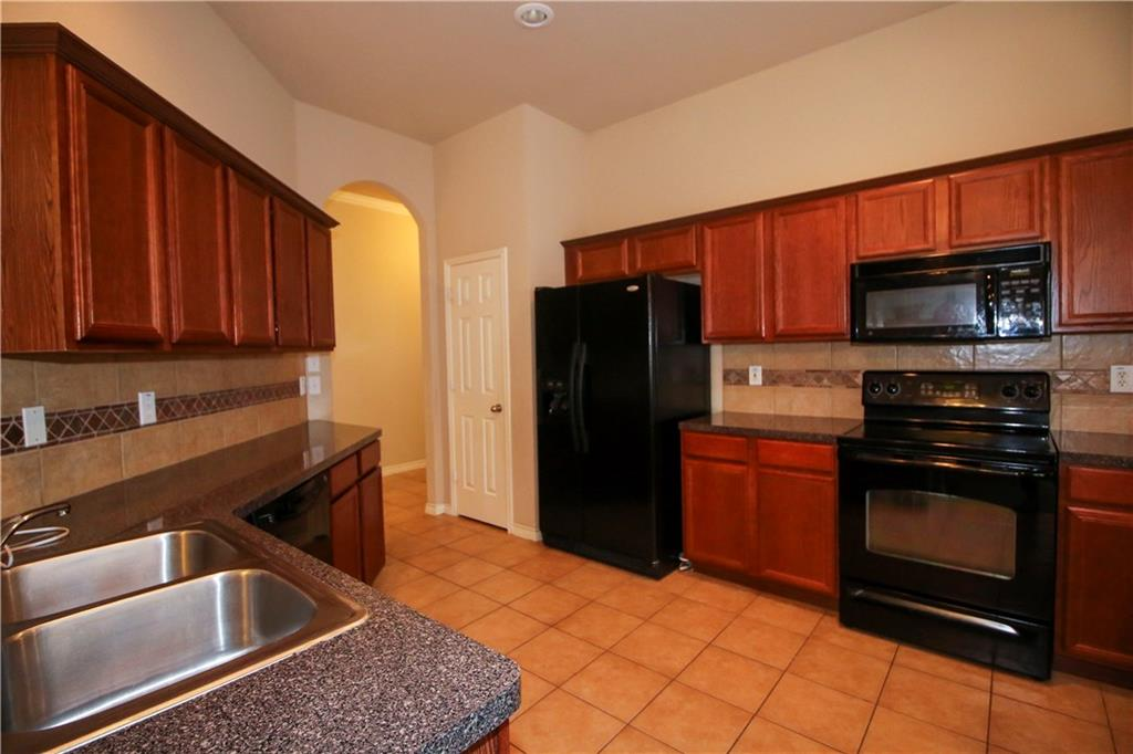 Sold Property | 804 Coppin Drive Fort Worth, Texas 76120 8