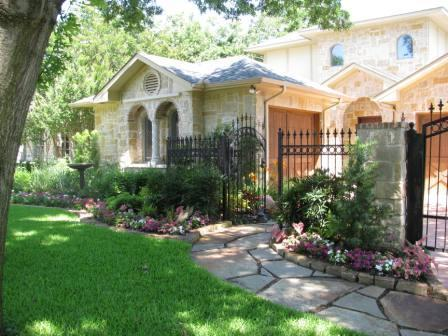Sold Property | 7027 Westlake Avenue Dallas, Texas 75214 2