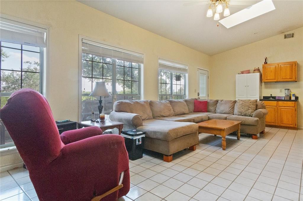 Sold Property | 733 Mountain View Drive San Marcos, TX 78666 18