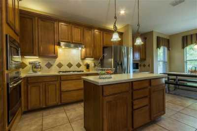 Sold Property | 2947 Albares  Grand Prairie, Texas 75054 3