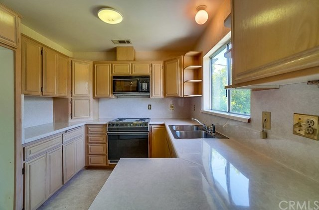 Closed | 389 Fremont Street Upland, CA 91784 14