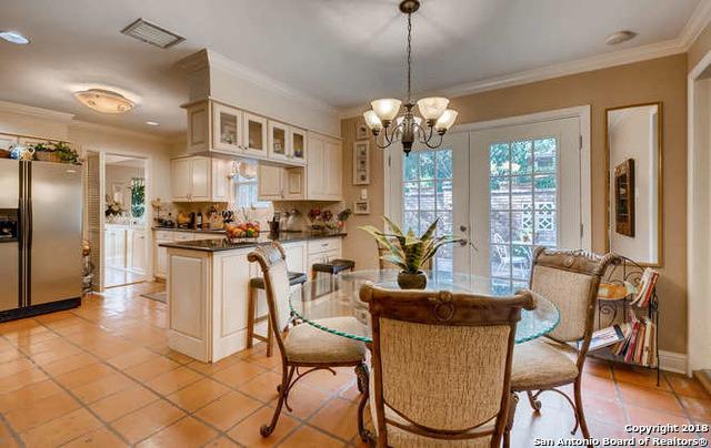 Marymont, In-Ground swimming pool, fireplace, Alamo Hights | 9206 VILLAGE DR  San Antonio, TX 78217 11