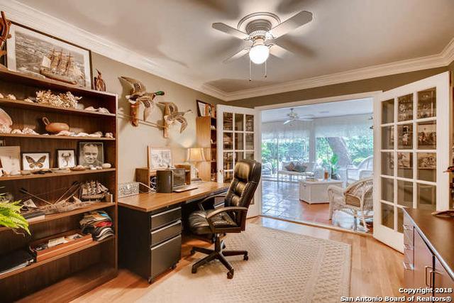 Marymont, In-Ground swimming pool, fireplace, Alamo Hights | 9206 VILLAGE DR  San Antonio, TX 78217 19