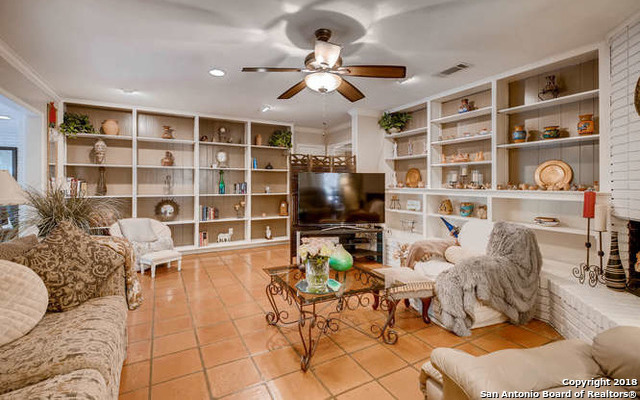 Marymont, In-Ground swimming pool, fireplace, Alamo Hights | 9206 VILLAGE DR  San Antonio, TX 78217 4