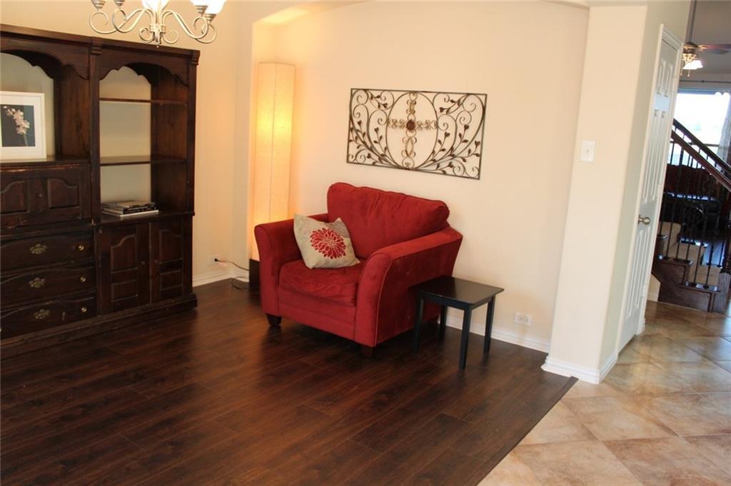 Sold Property   433 Bristol Street Roanoke, Texas 76262 2