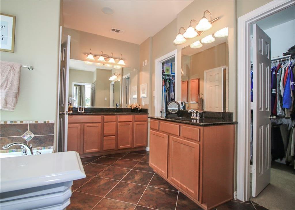 Sold Property   433 Bristol Street Roanoke, Texas 76262 11