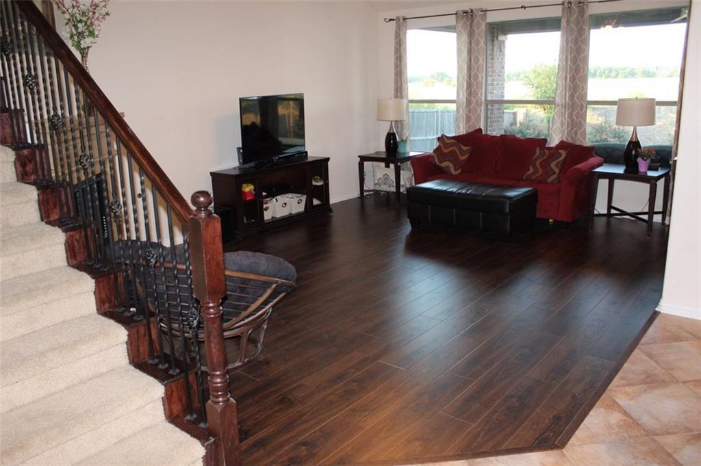 Sold Property   433 Bristol Street Roanoke, Texas 76262 3