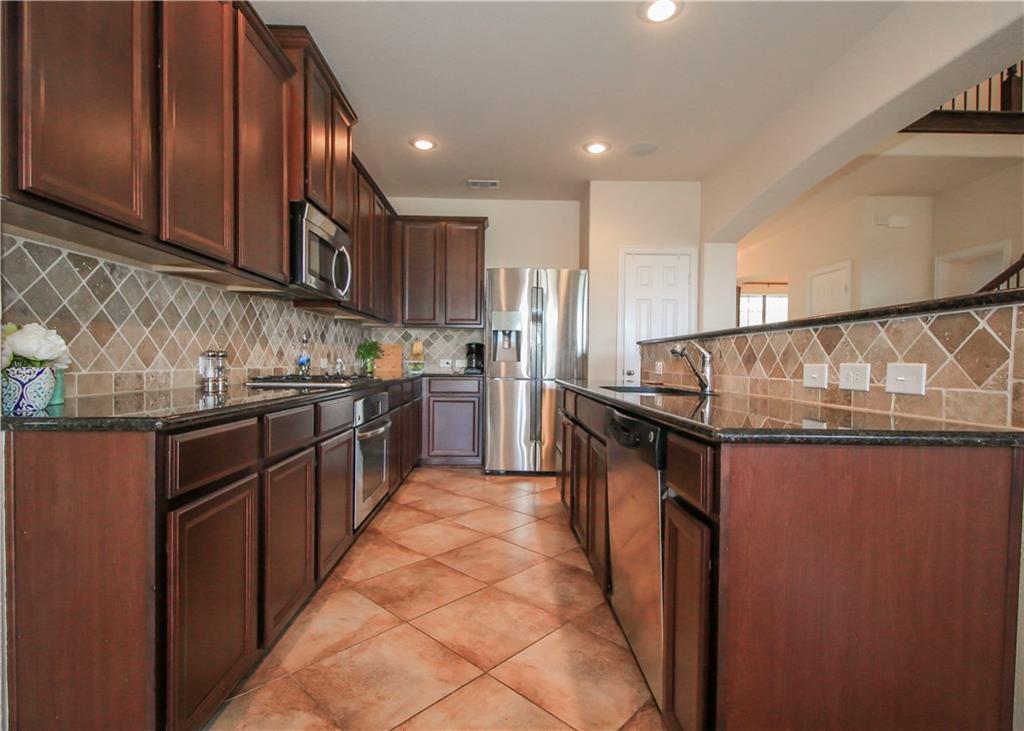 Sold Property   433 Bristol Street Roanoke, Texas 76262 8